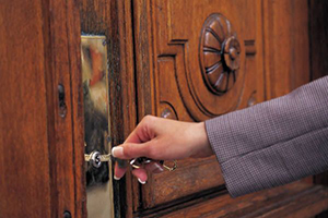 unlock doors service in Altamont
